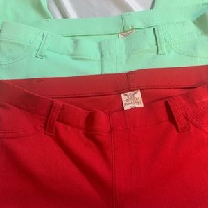 2 pair of Faded Glory capris - Size L